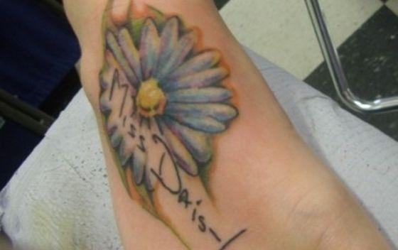 Mais desenhos de tatuagens de margaridas