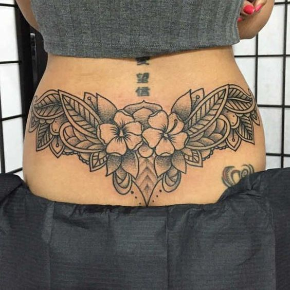 Tatuagem Cóccix 1