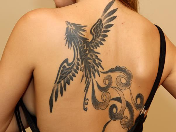 Tatuagem-de-Claudia-do-BBB10-Costa