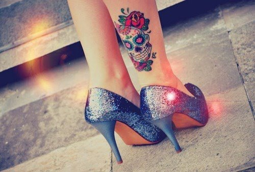 Tatuagem-feminina-de-caveira