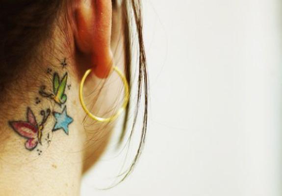 Tatuagens-femininas-atrás-da-Orelha-fotos-e-modelos