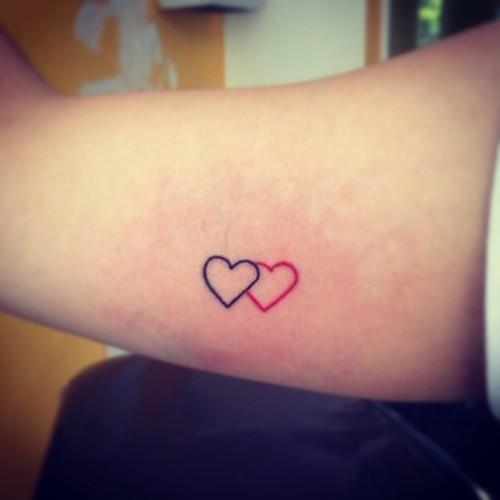 tattoo-coracao-delicada-braco