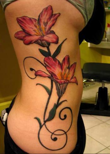 tatuagem-bela-feminina-costela