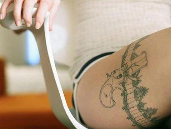 tatuagem-coxa-coldre