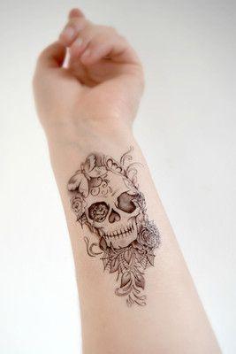 tatuagem feminina caveira 5