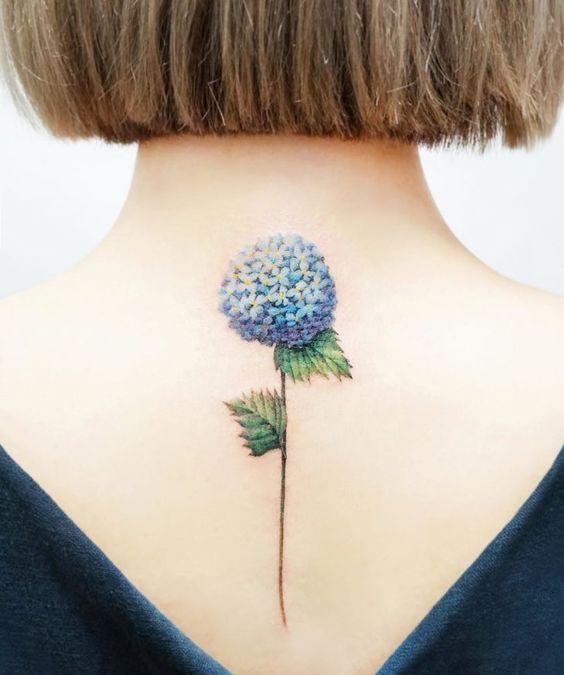 tatuagem feminina costas 2