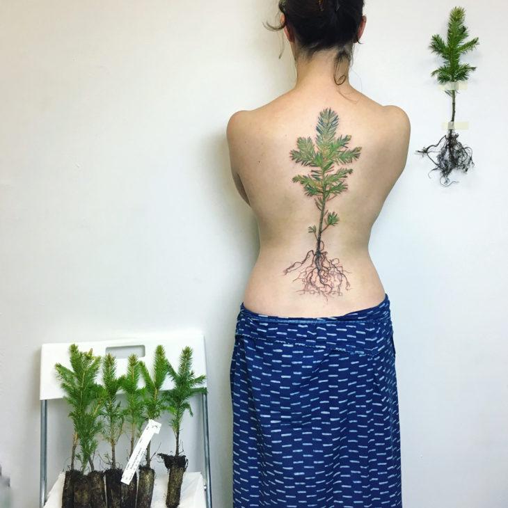 tatuagem feminina costas 5