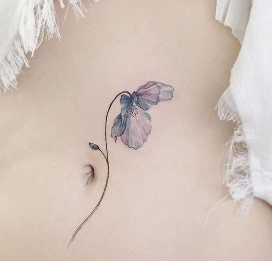 tatuagem na barriga flor