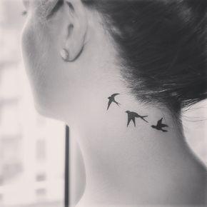 tatuagem passaro feminina
