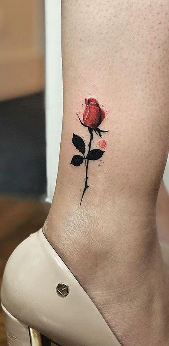 tatuagem rosa perna
