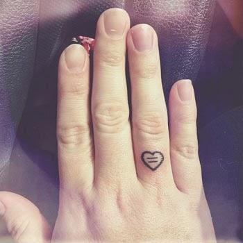 tatuagem_de_cora_o_no_dedo