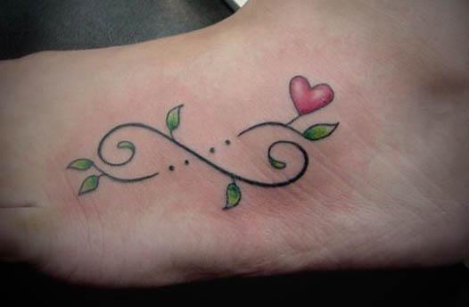 tatuagens-delicadas-no-pe-fotos-para-se-inspirar
