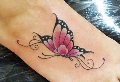 tatuagens-feminina-borboleta-no-pe