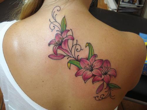 tatuagens-femininas-nas-costas-delicadas