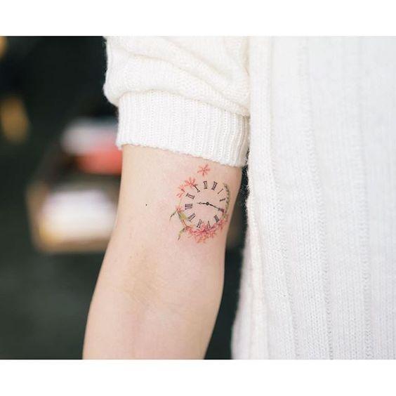 tatuagens relogios braço